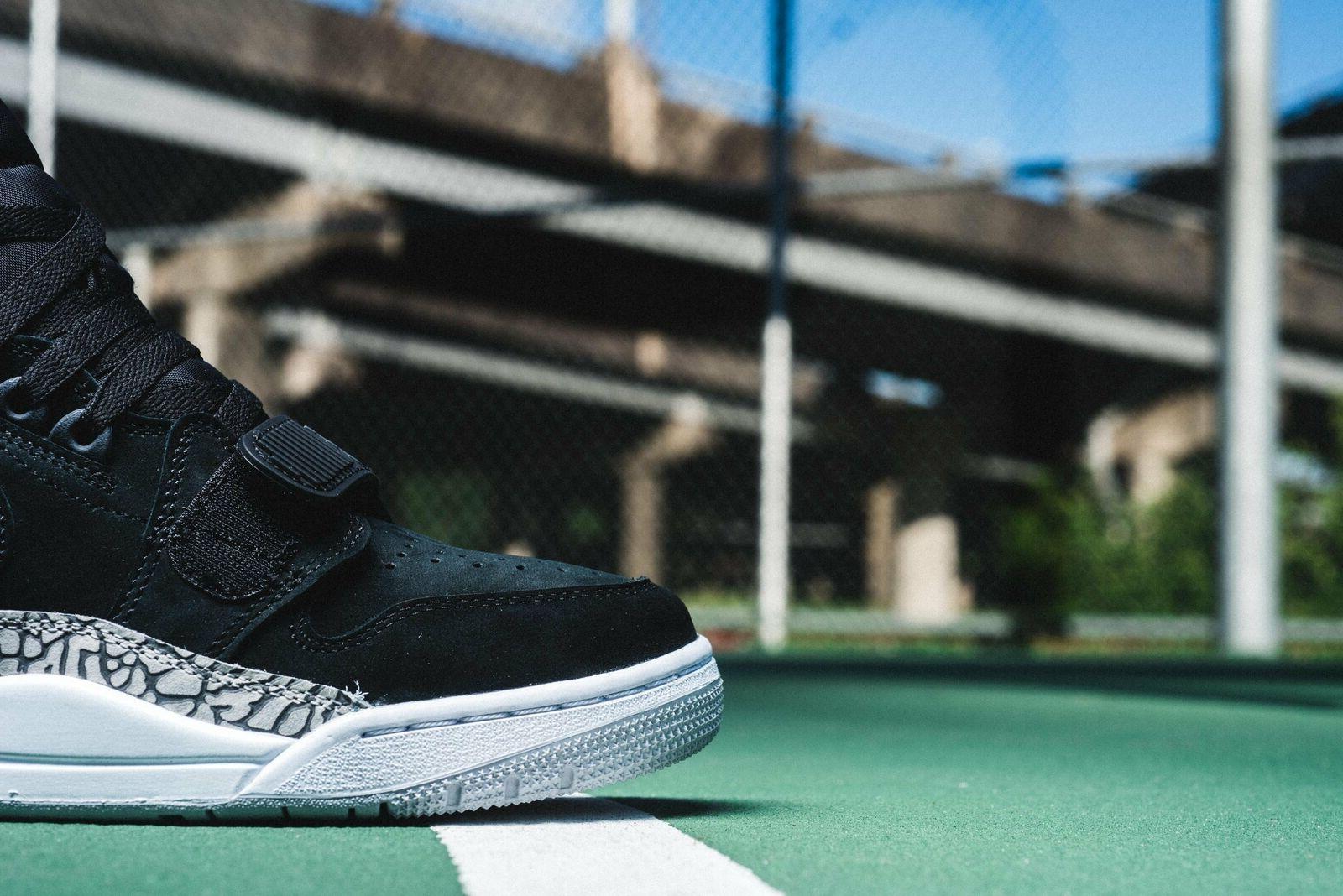 Air Legacy Basketball Black/Fire AV3922 US Size 10