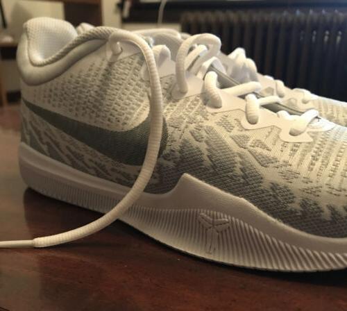 Nike Platinum Silver Men's Kobe Basketball Shoes 8.5