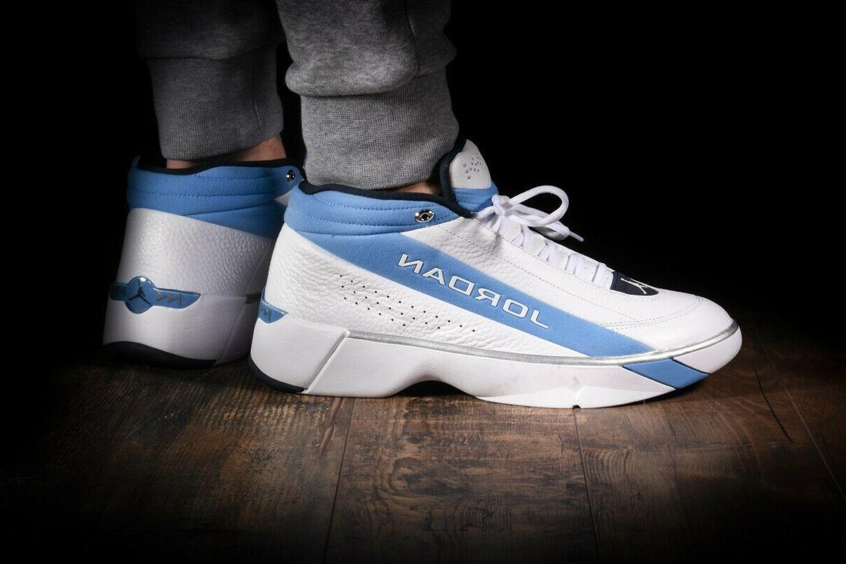 nike team showcase basketball shoes white blue