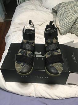 Lebron James Soldier XI Camo Basketball Shoes